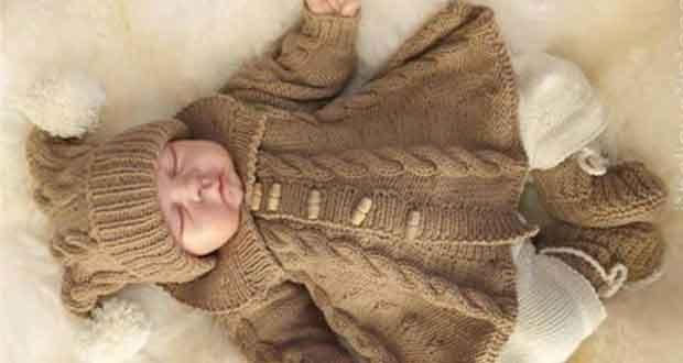 Manteau à torsades bébé